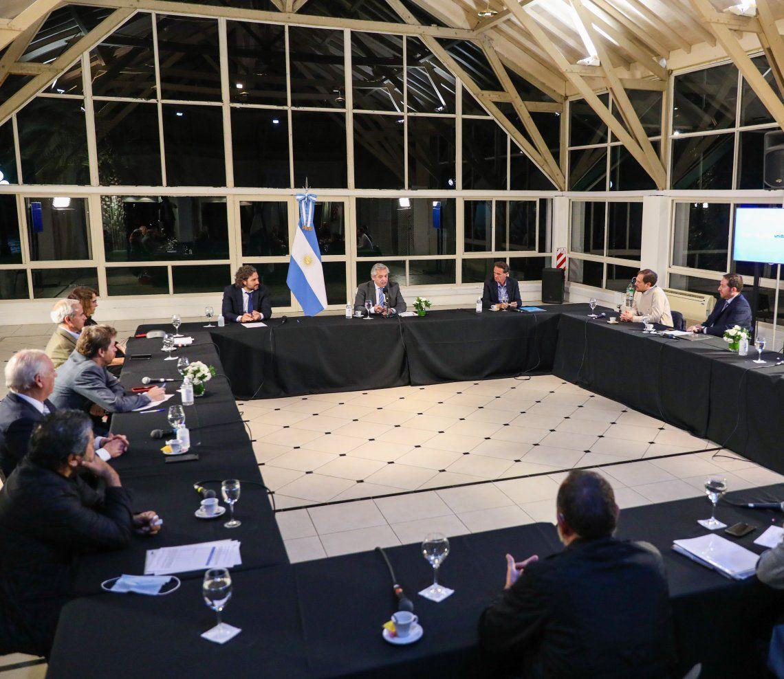 Del encuentro de anoche en Olivos estuvieron con Alberto algunos ministros