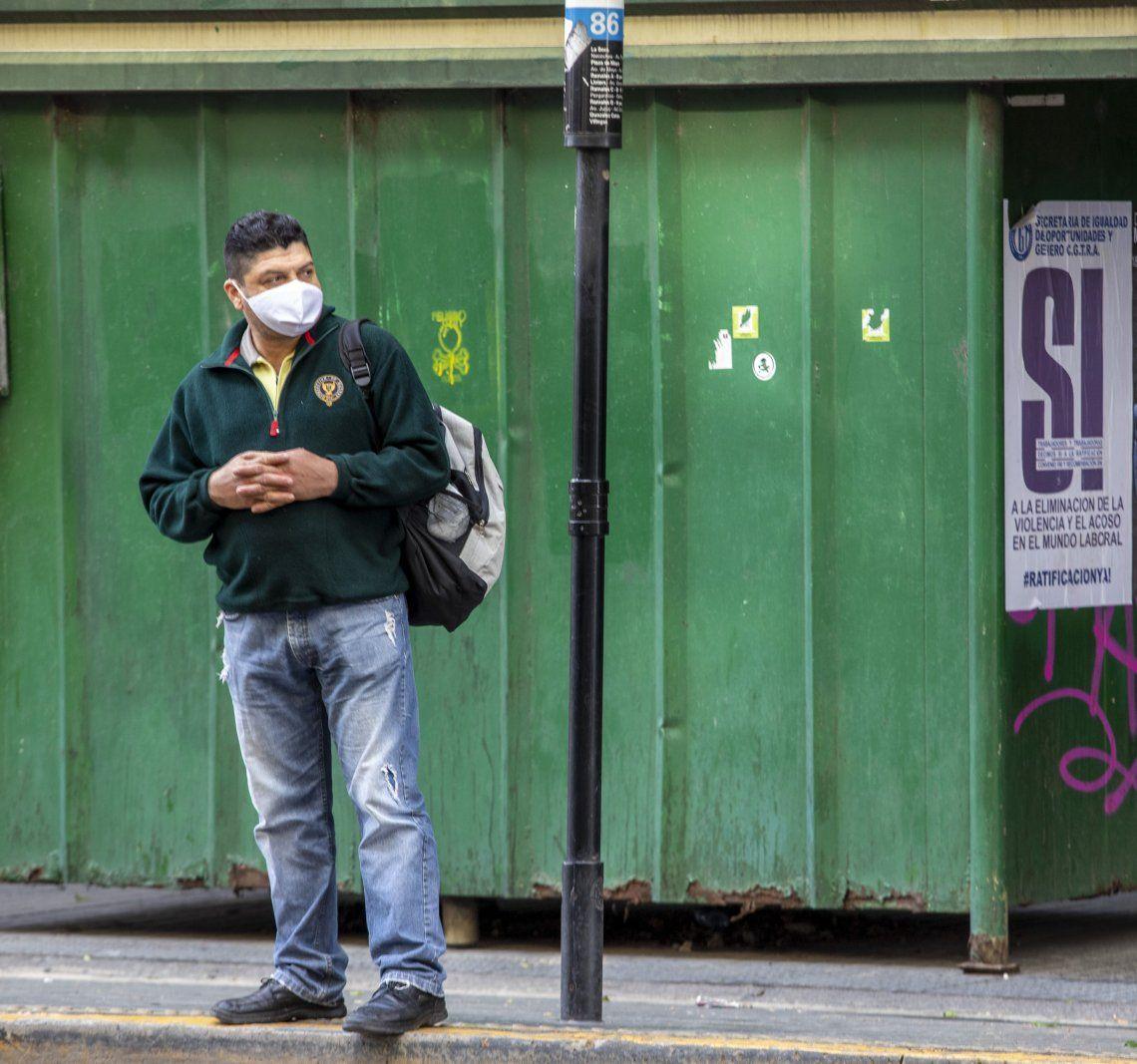 La OMS volvió a cambiar de opinión sobre el uso de mascarillas