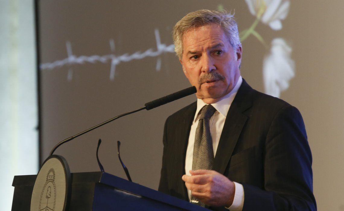 Solá tiene la firme intención de repatriar a 20 mil argentinos.
