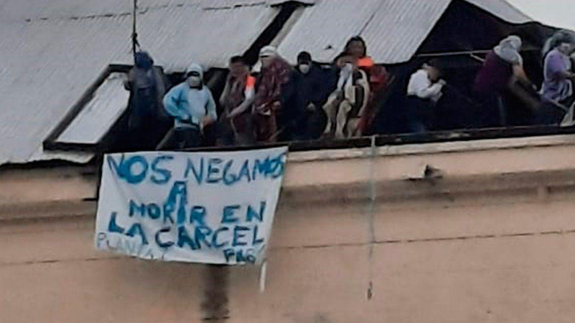 Motín en la cárcel de Devoto: presos reclaman excarcelaciones ante el Coronavirus