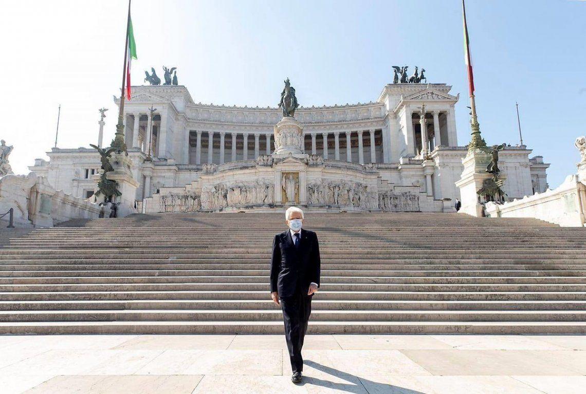 Con calles vacías y Bella Ciao en los balcones, Italia recordó los 75 años de la caída del fascismo y la liberación de los nazis