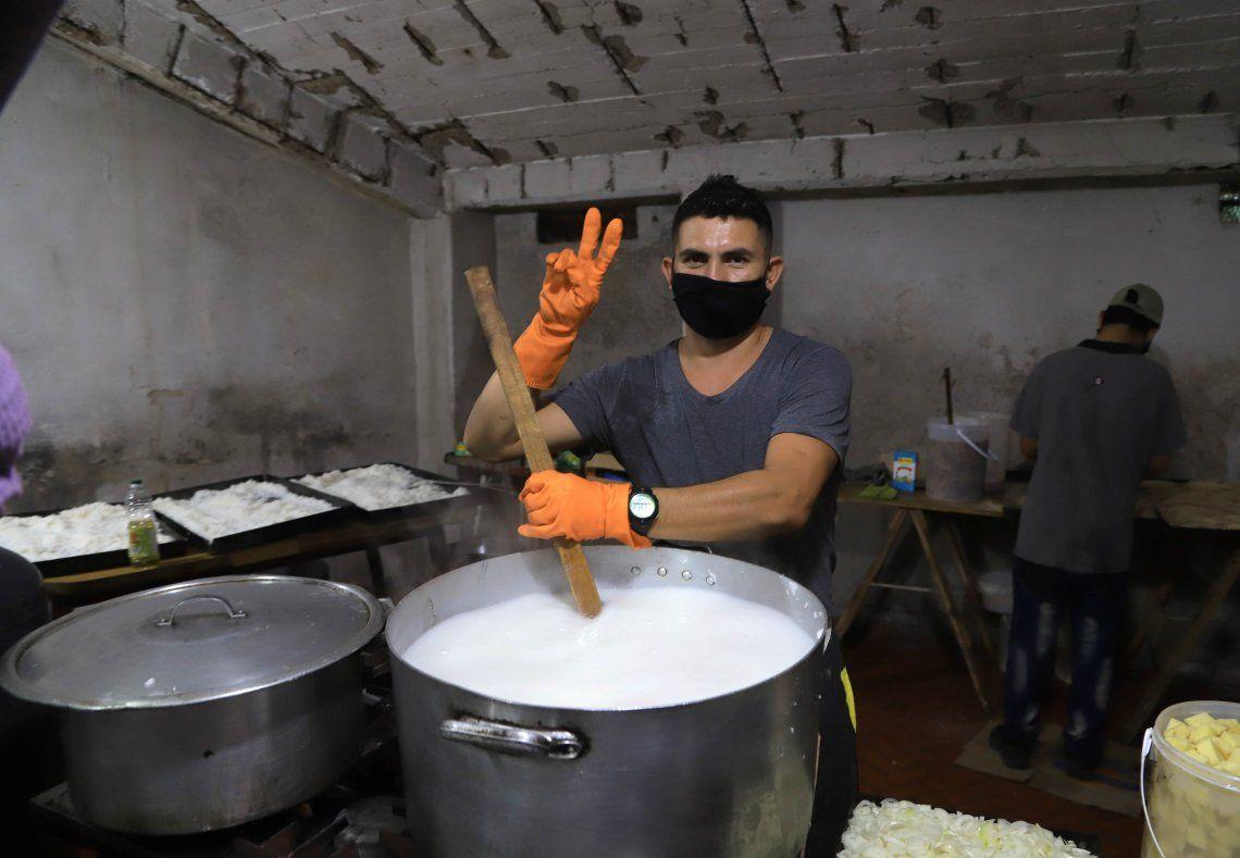 La demanda de comida en el Conurbano se multiplicó por 5.