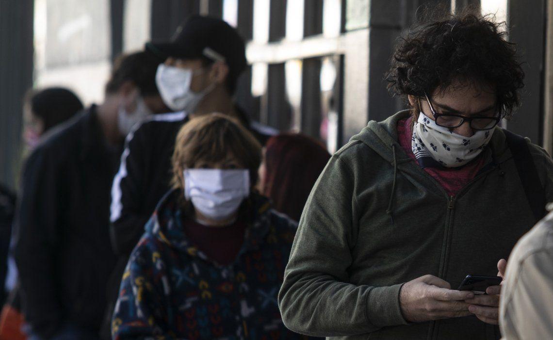 Coronavirus: según una encuesta, la mitad de la población cree que la pandemia durará hasta 2021