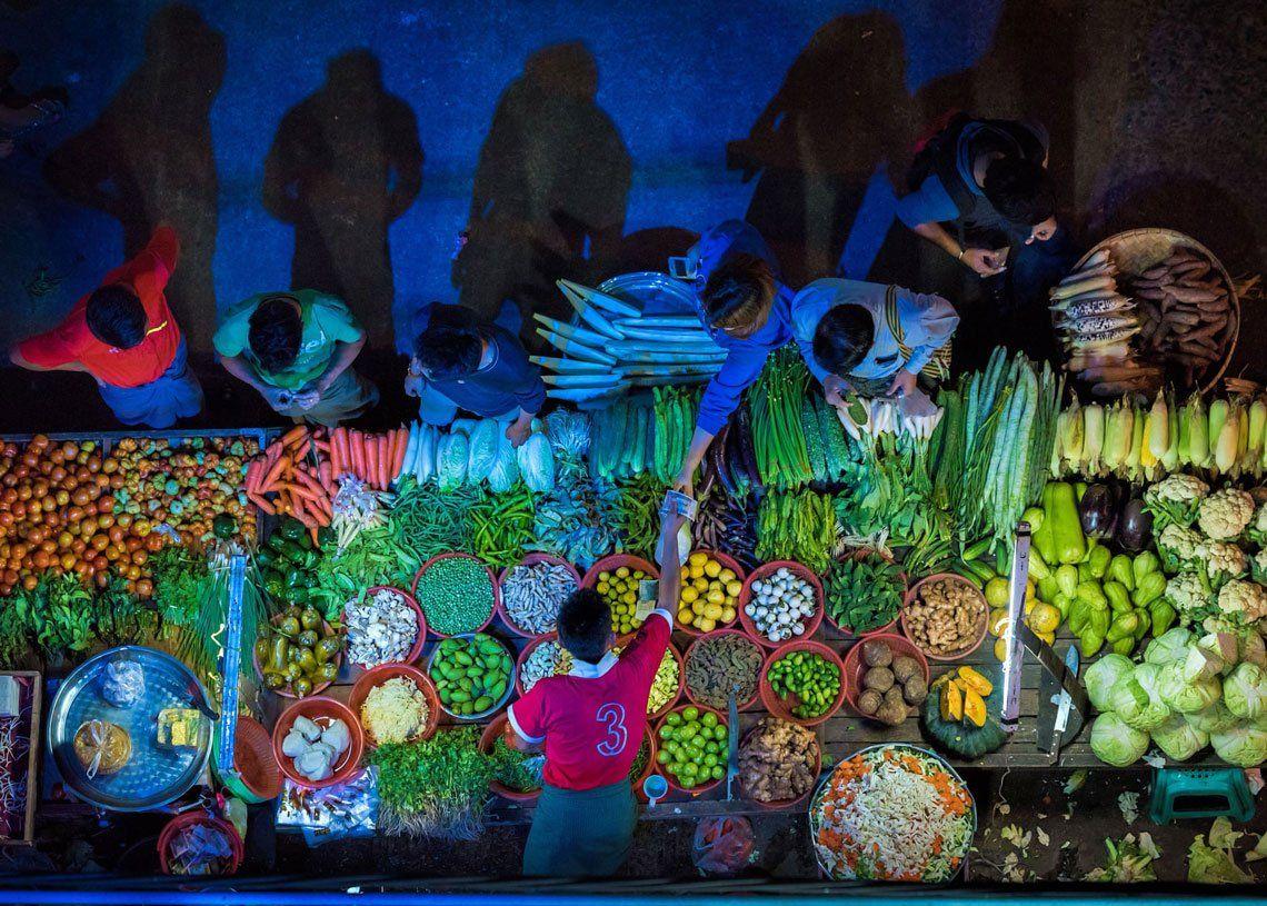 Alimentos en venta |Puesto de verduras