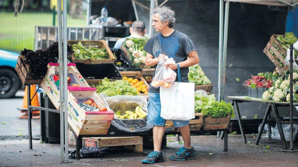 Alimentos de la canasta básica subieron un 16,59%