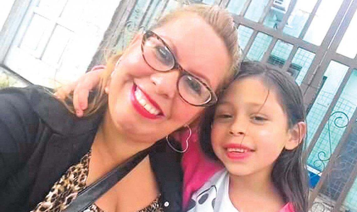 Mariela Ortiz y su hija Josefina