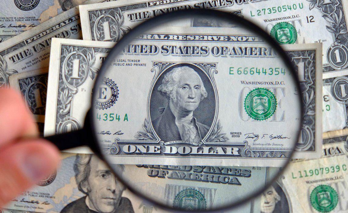 La fuerte presión sobre el dólar blue se reflejó en un nivel récord.