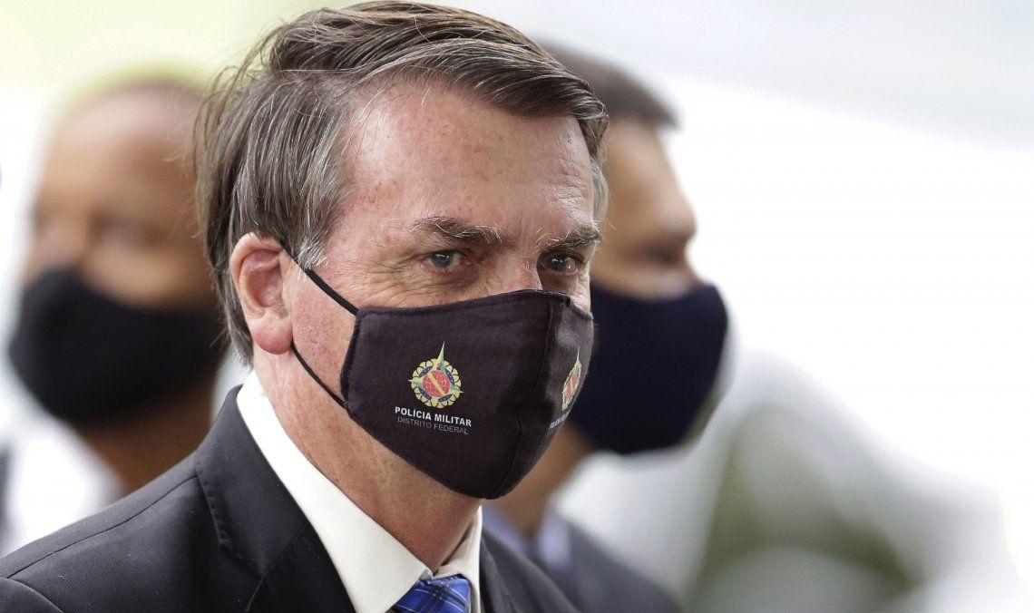Bolsonaro, acorralado desde todos los frentes