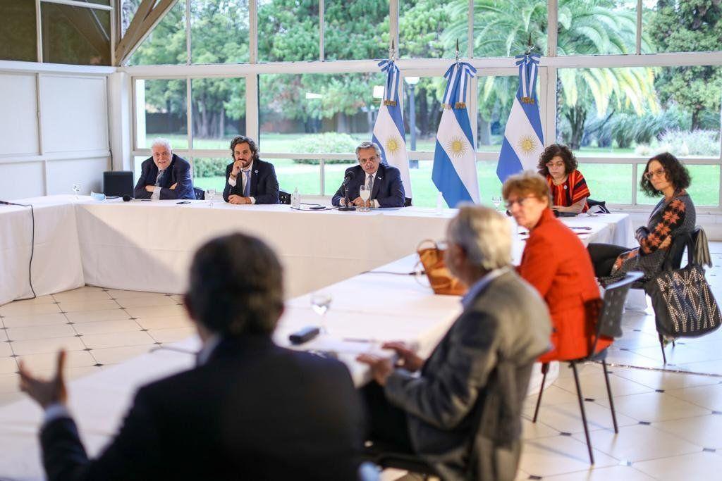 Alberto Fernández analizó con el Comité de Expertos la próxima fase de cuarentena