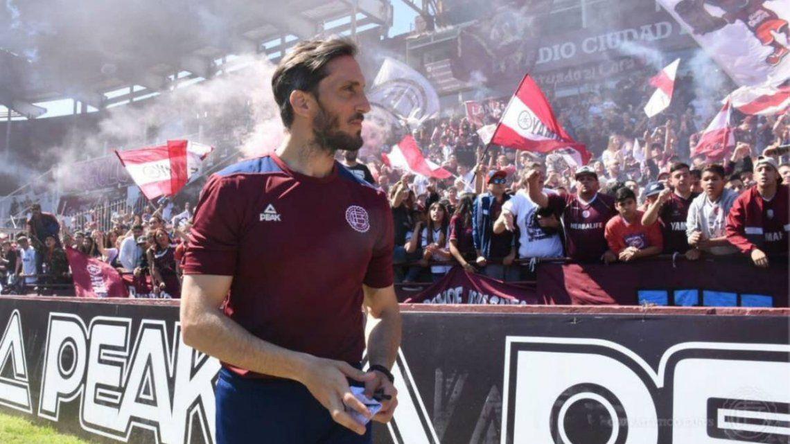 El Sur sonríe: Luis Zubeldía renovó su contrato con Lanús