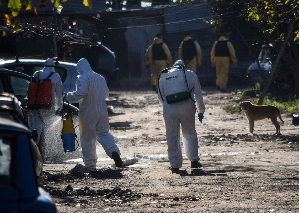 En fotos: así es el operativo sanitario en Villa Azul