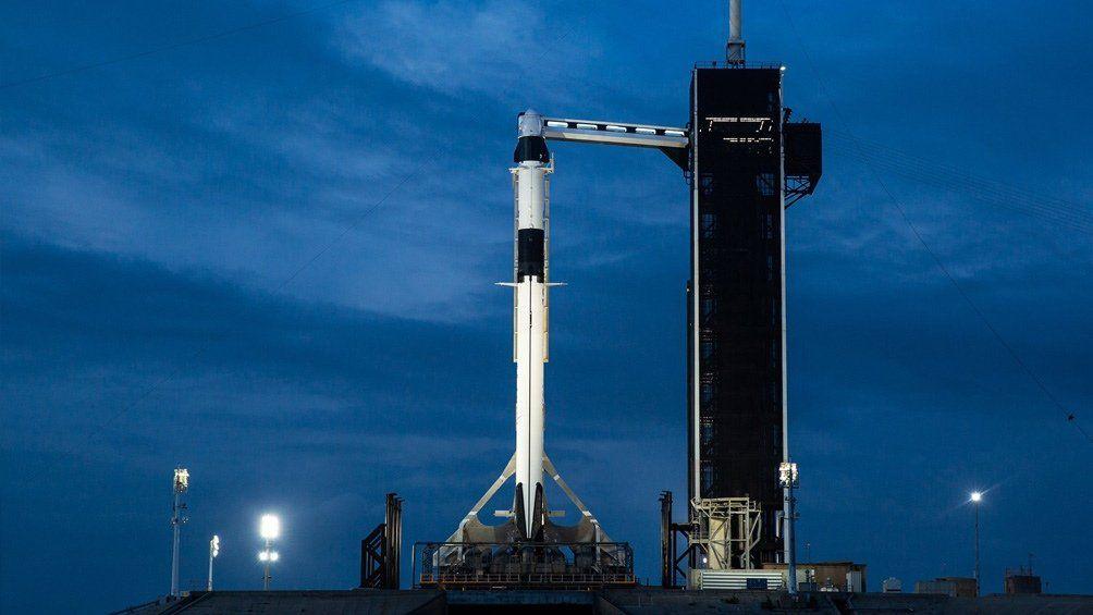 Suspenden el lanzamiento del SpaceX por mal clima