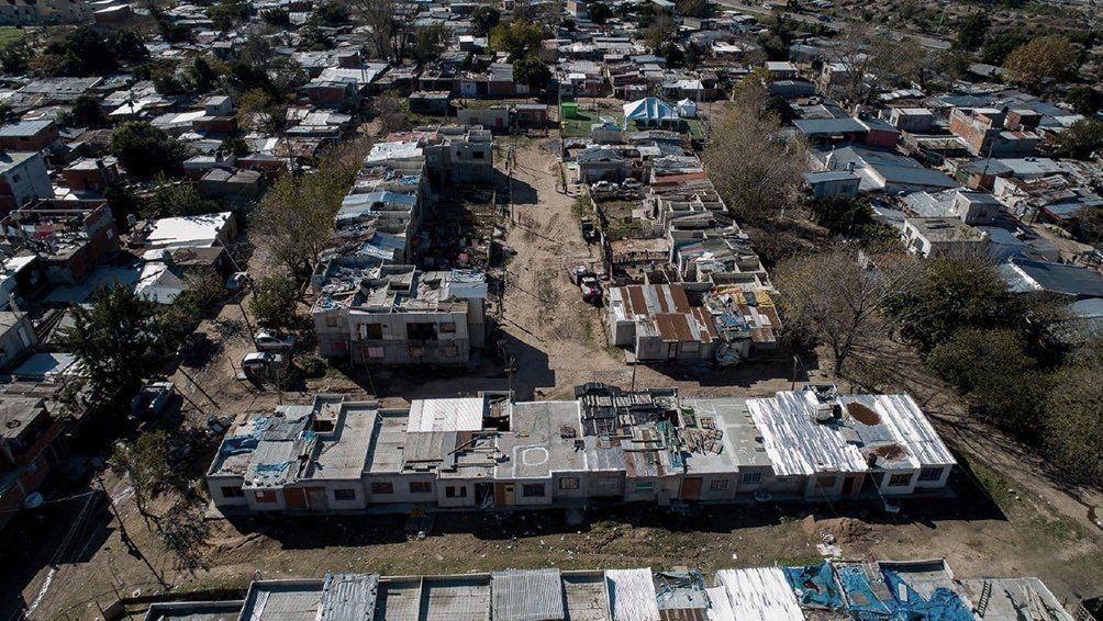 Villa Azul: la Provincia y organización de quinteros entregaron más de 20 mil kilos de alimentos
