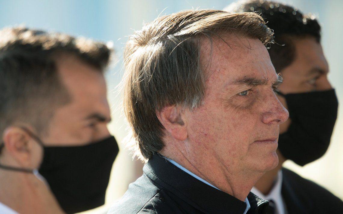 El presidente Bolsonaro sigue mostrándose sin barbijo.