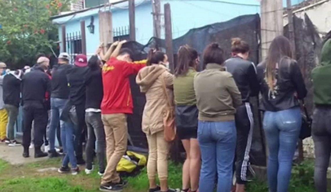 Más de 20 jóvenes fueron detenidos en Lanús tras festejar un cumpleaños en pleno cuarentena