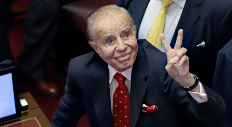 Carlos Menem fue dado de alta luego de una grave neumonía
