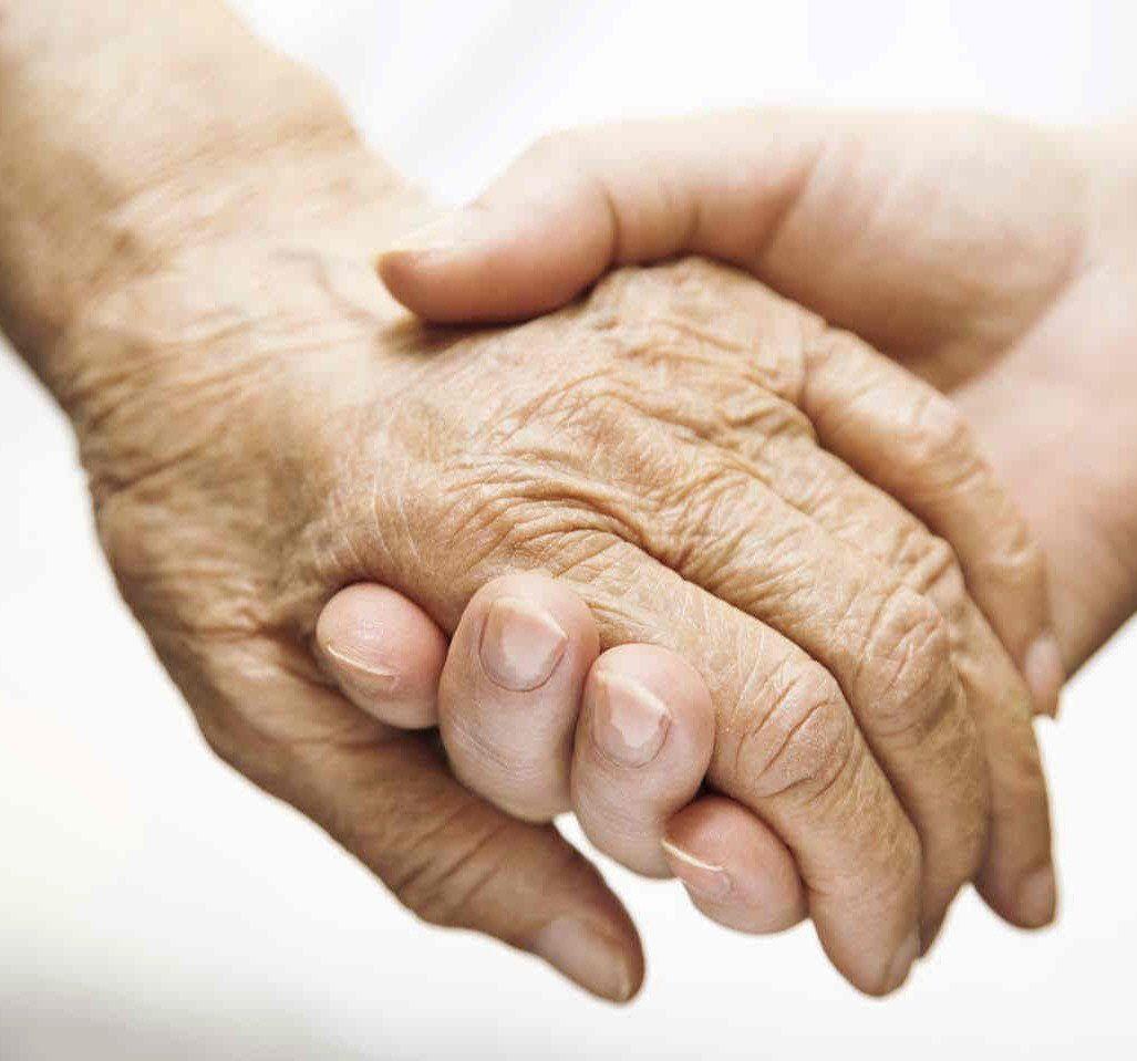 Según especialistas en Derecho de la Vejez, la pandemia develó la discriminación por edad