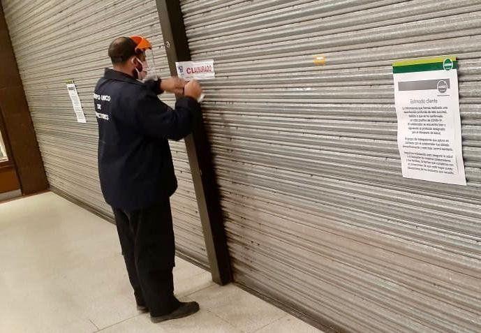 Continúa clausurado el supermercado Jumbo de Pilar y podrá ser sancionado