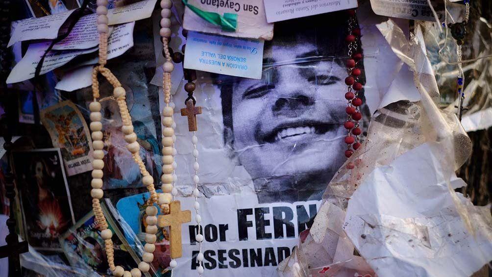 Crimen de Villa Gesell: cartas y ofrendas en honor a Fernando para sus padres