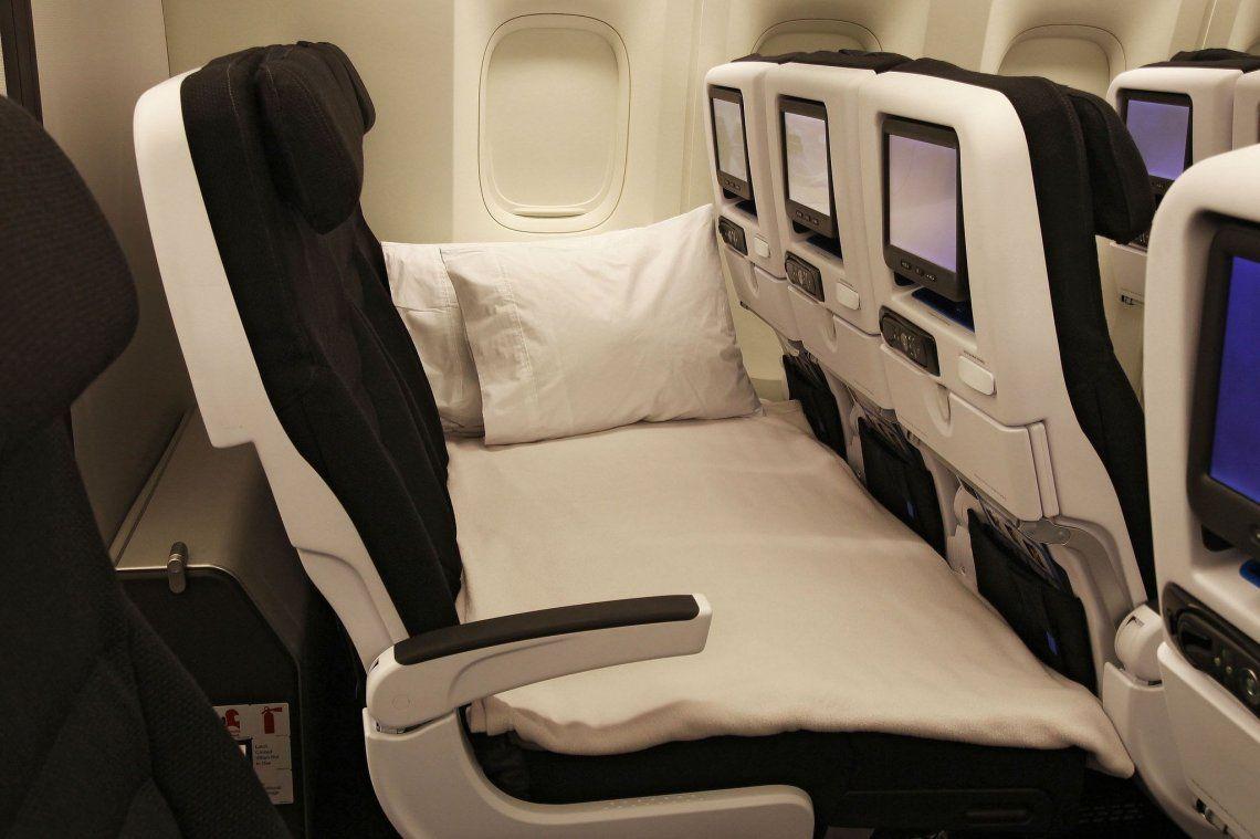 Turismo post pandemia: asientos cama en vuelos clase económica para atraer pasajeros