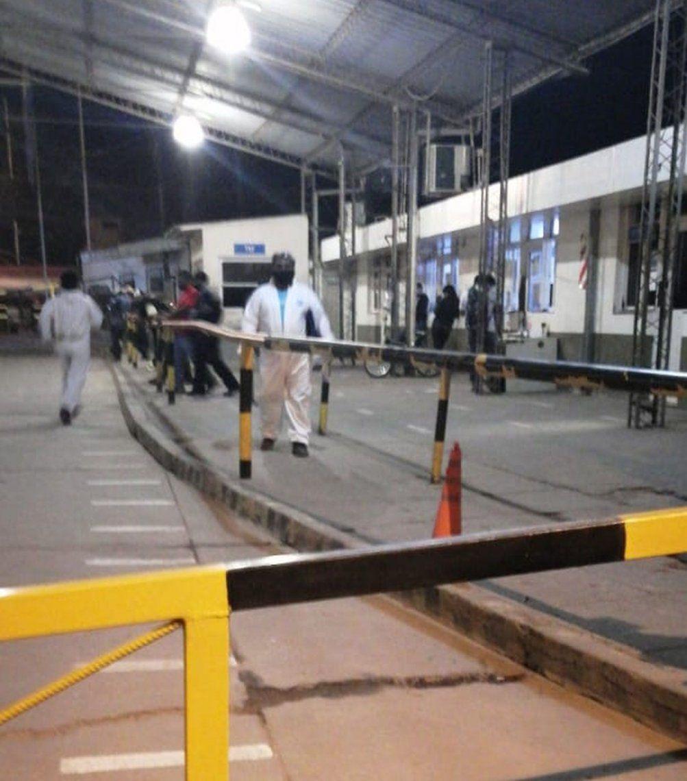 Salta: cierran paso en la frontera y patrulla el Ejército para evitar intrusión de bolivianos con coronavirus