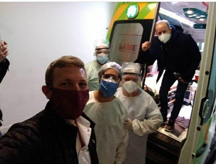 La emotiva salida de Martín Insaurralde del Hospital de Llavallol: Tuvimos una semana complicada