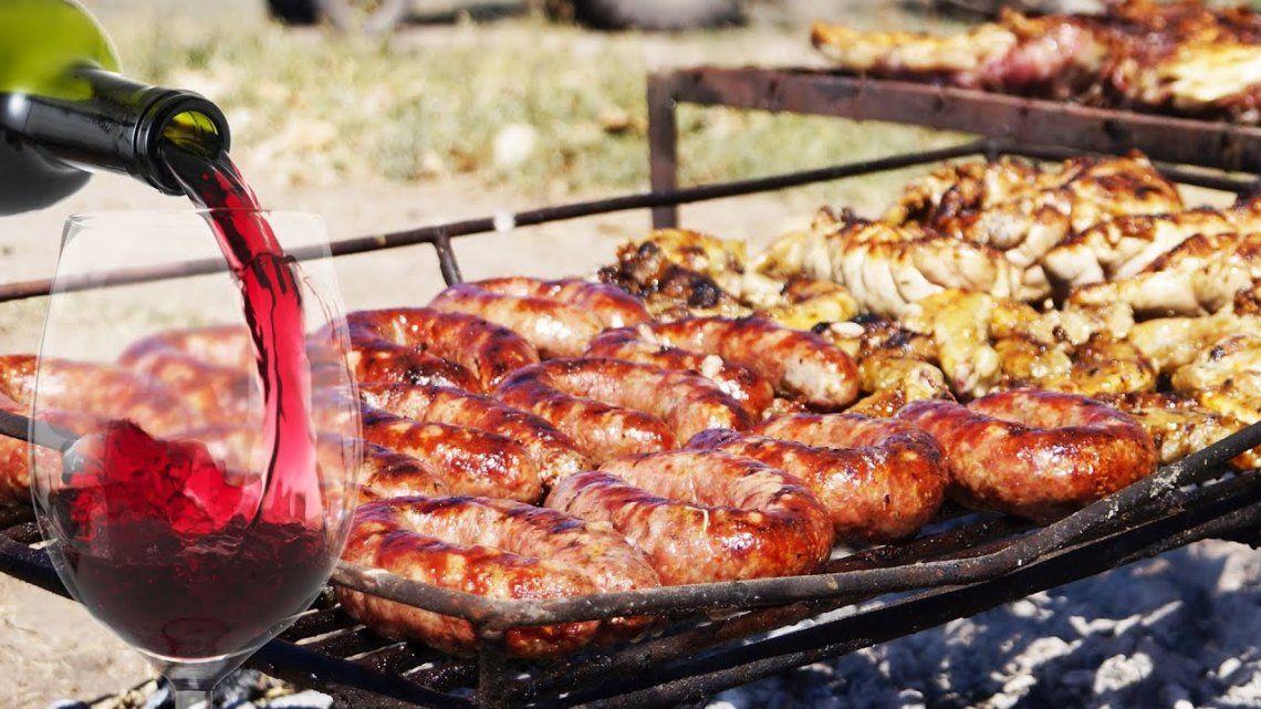 Costumbres argentinas: el rito del asado según Lalo Mir