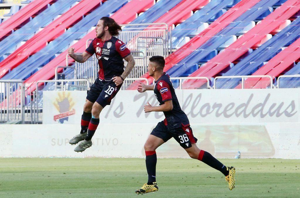 Nahitan Nández y Giovanni Simeone marcaron en la victoria de Cagliari frente a Torino
