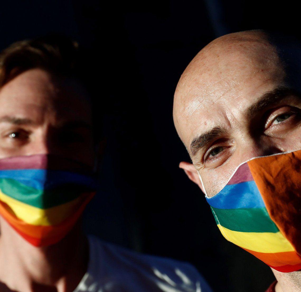 Día del Orgullo Gay con barbijos.