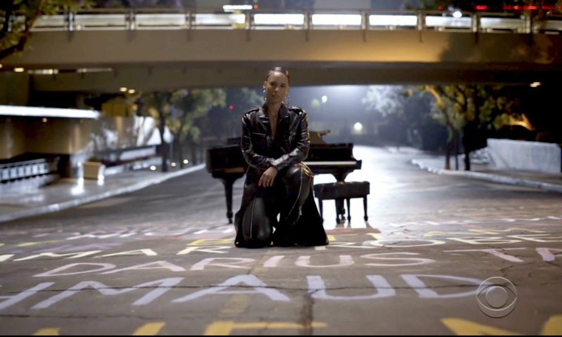 Alicia Keys interpretó la canción inspirada en BLM Perfect Way To Die