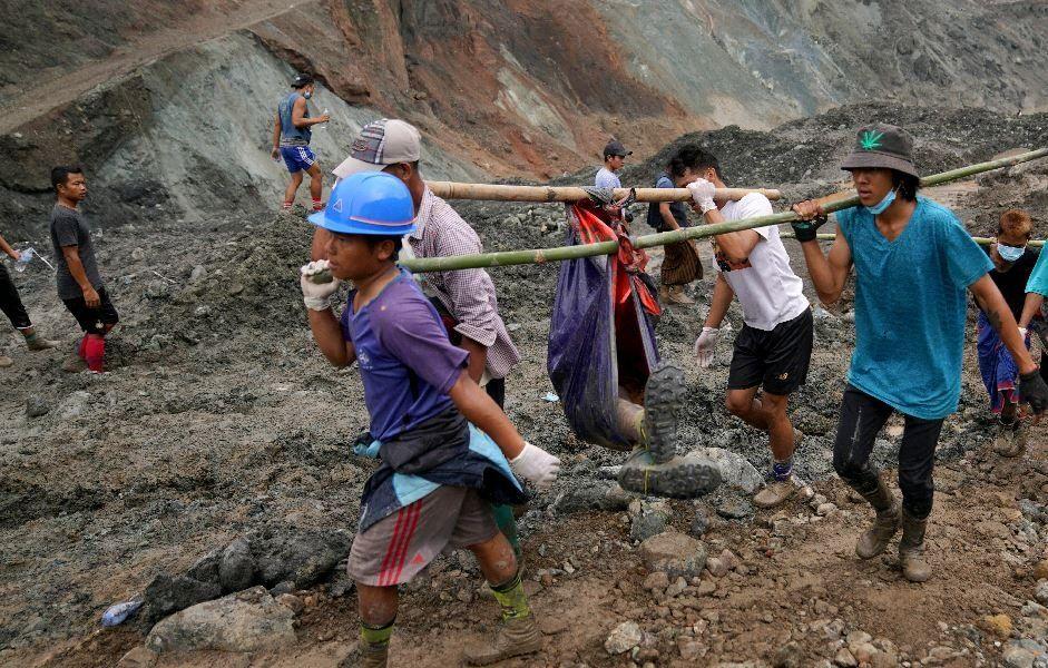 Estremecedor: el video del derrumbe donde murieron 162 personas en una mina