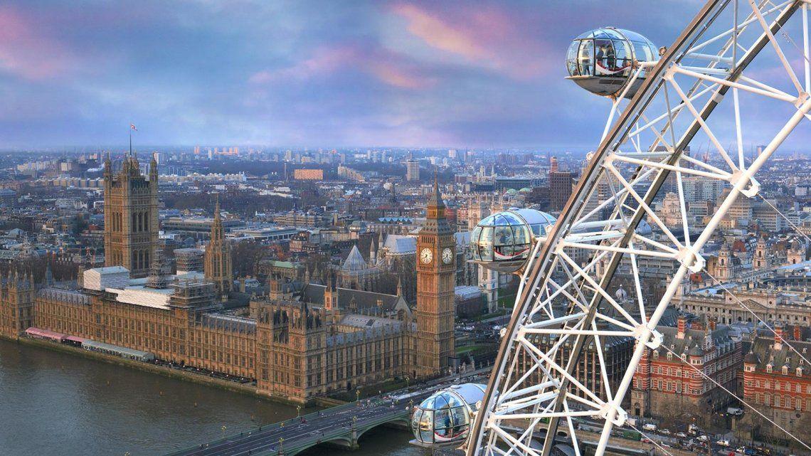 Reino Unido estudia autorizar el ingreso de turistas de 60 países