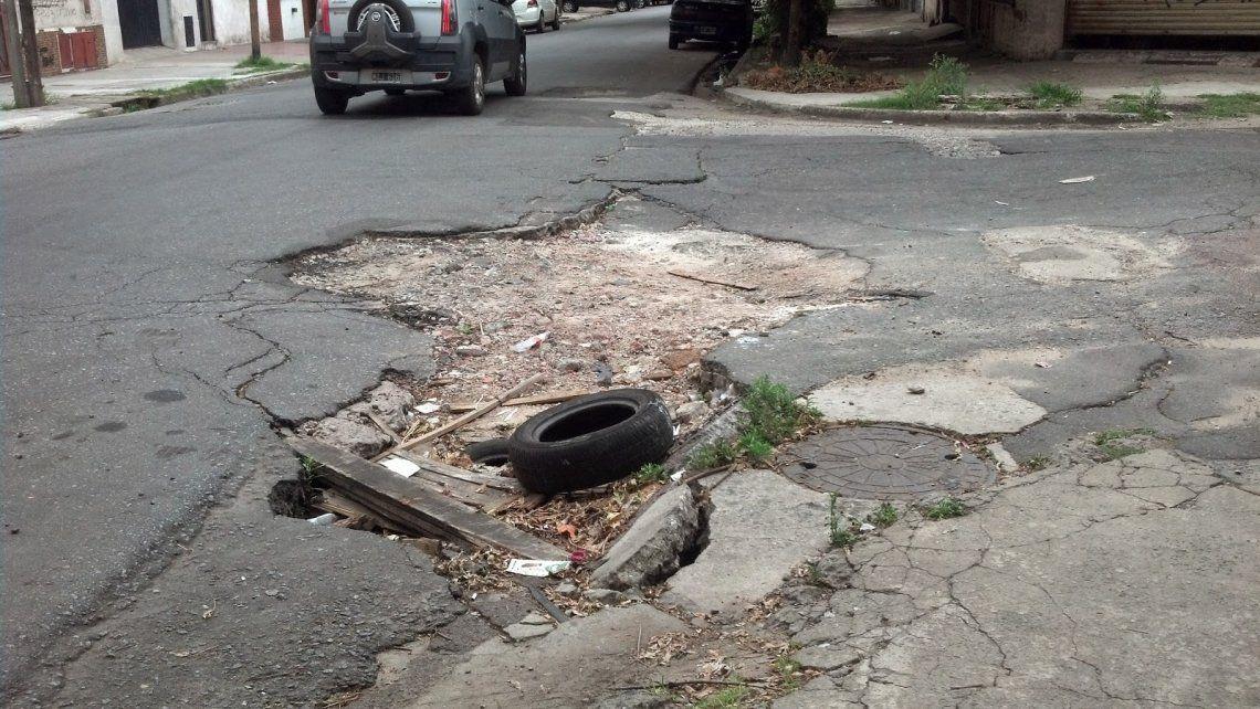 Adiós a los baches: inventan un cemento que se repara por sí solo