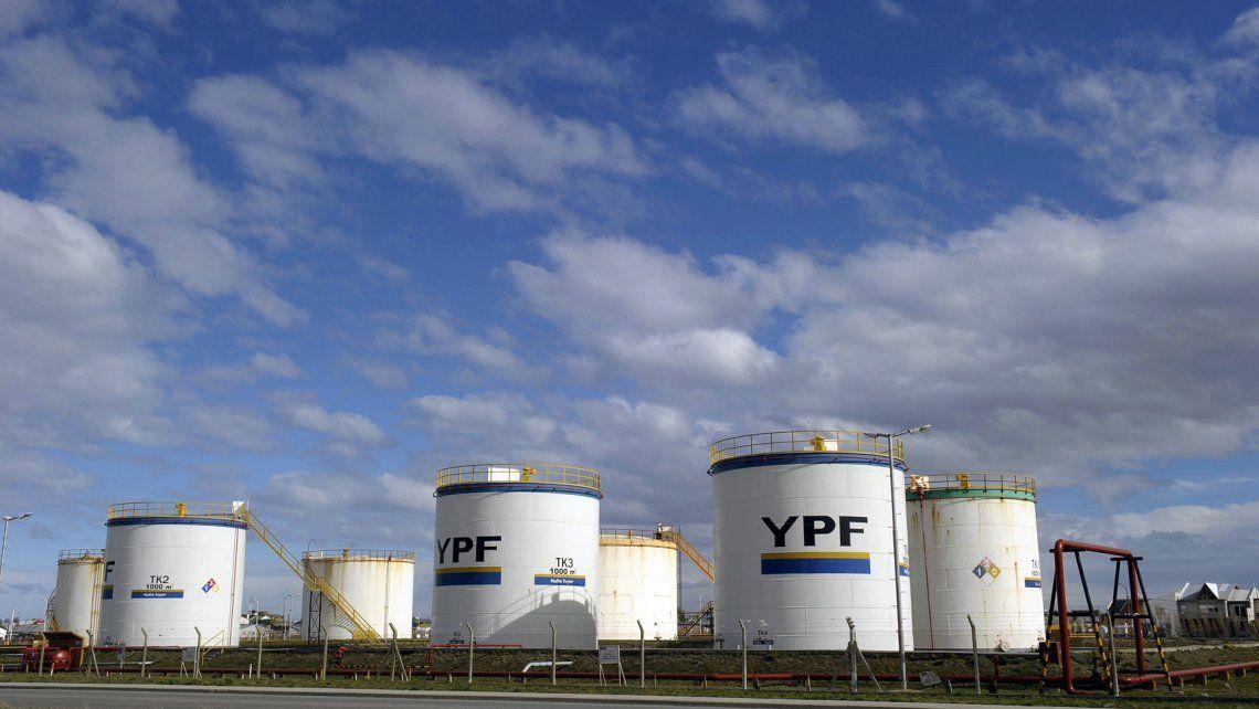 YPF: la petrolera estatal abrió lista para retiros voluntarios de sus trabajadores