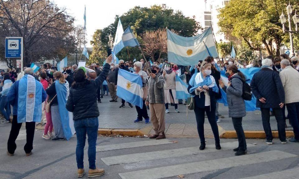 Banderazos en todo el país por la libertad y la propiedad privada