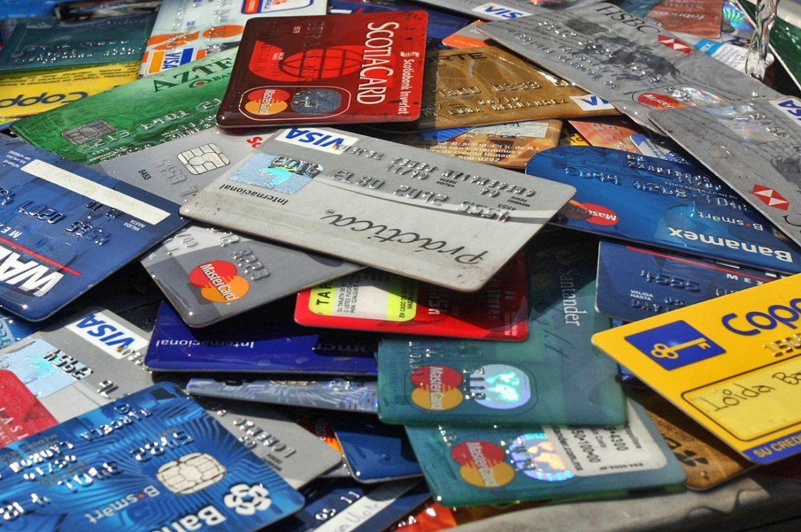 Subió el consumo con tarjetas de crédito: por qué la gente elige ese medio de pago