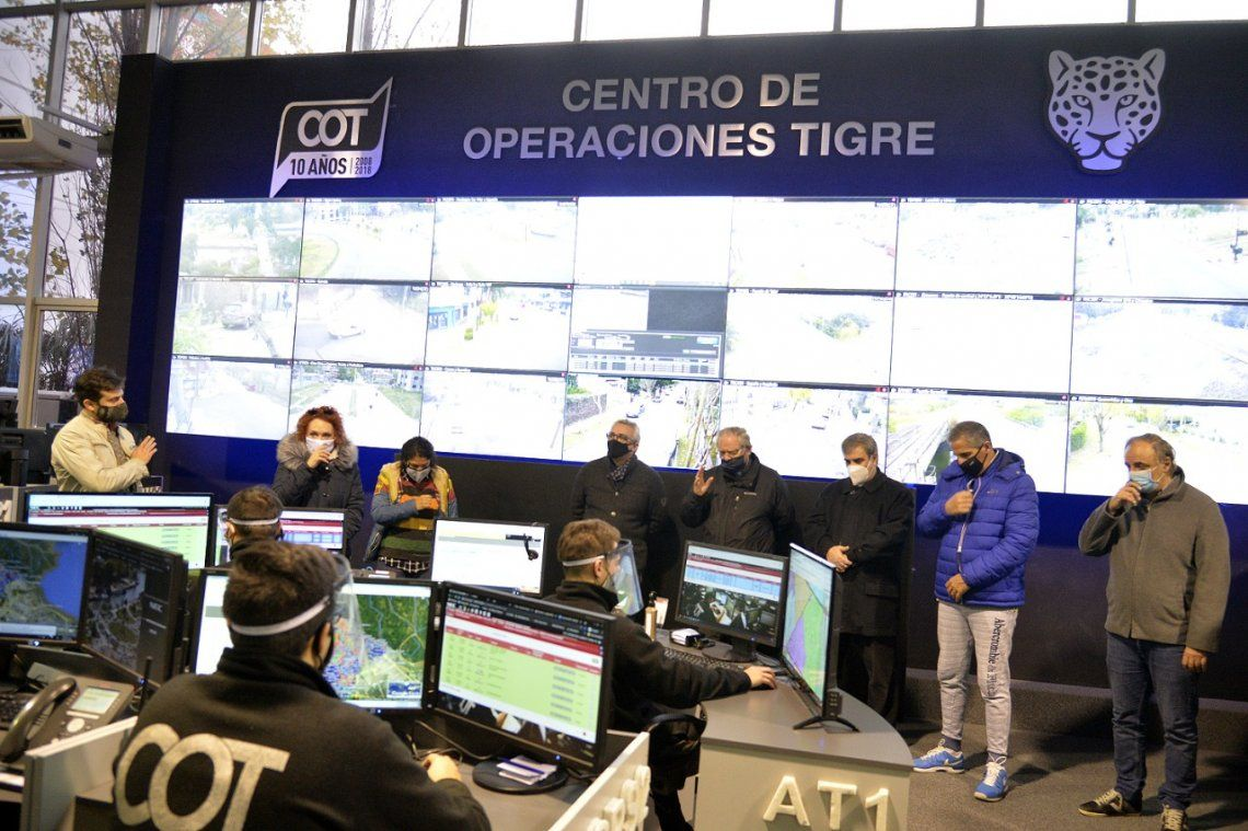 Zamora y Ojea recorrieron centro de aislamiento en Tigre