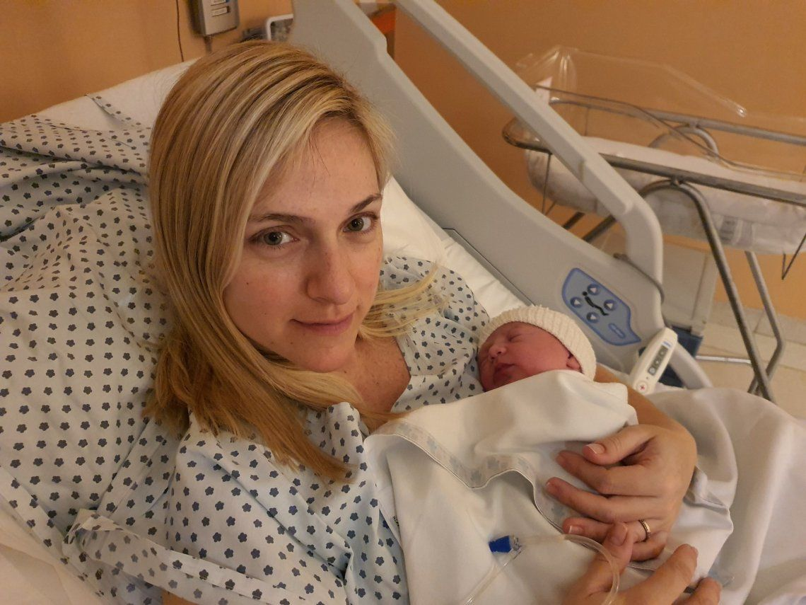 Bienvenida Martina: una beba recién nacida revive la grieta entre verdes y celestes