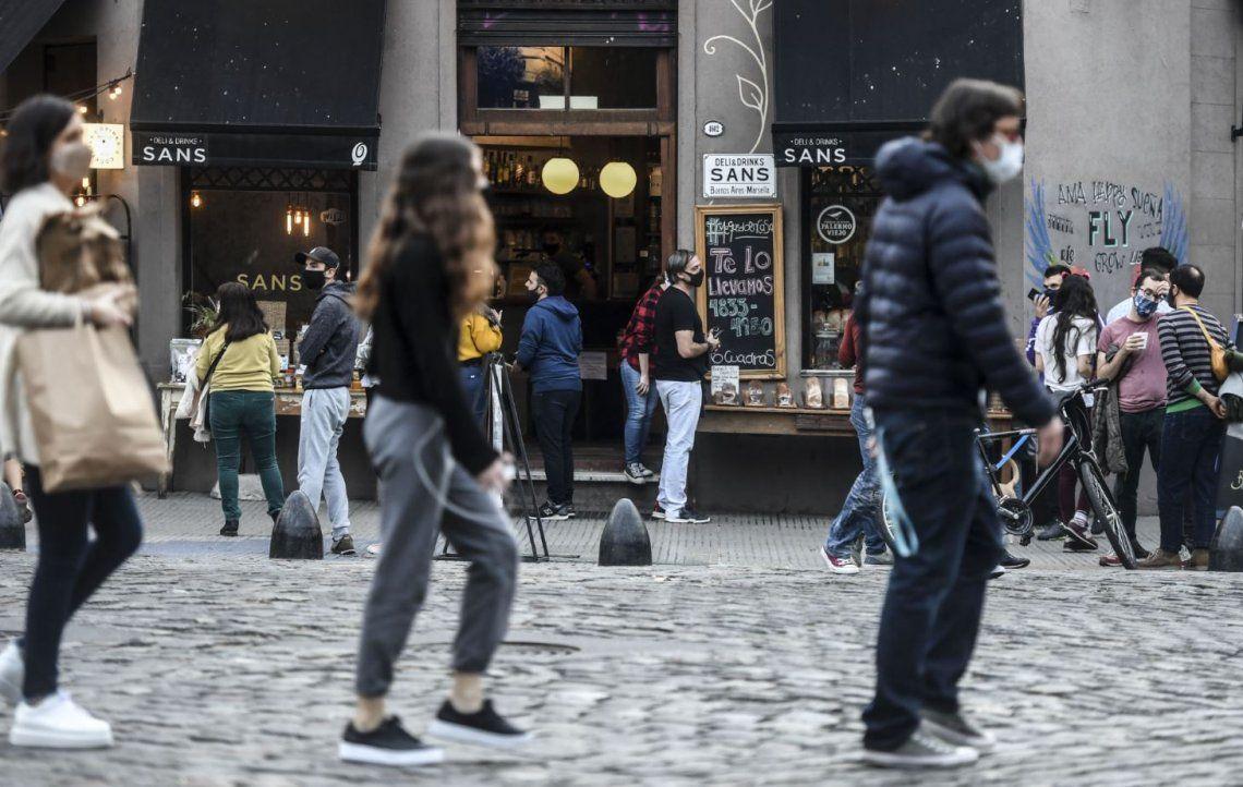 La Ciudad amanece con la vuelta de los comercios: el nuevo escenario, día por día