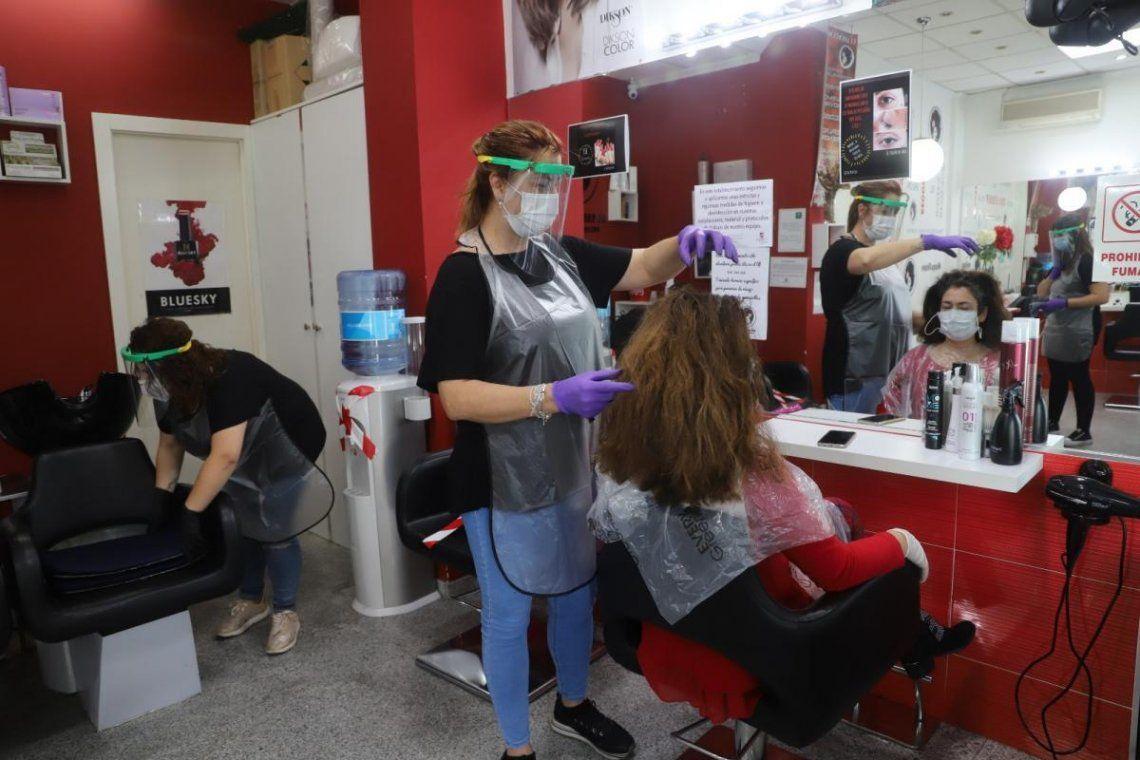¡A cortarse el pelo! Así es el protocolo aprobado para las peluquerías bonaerenses