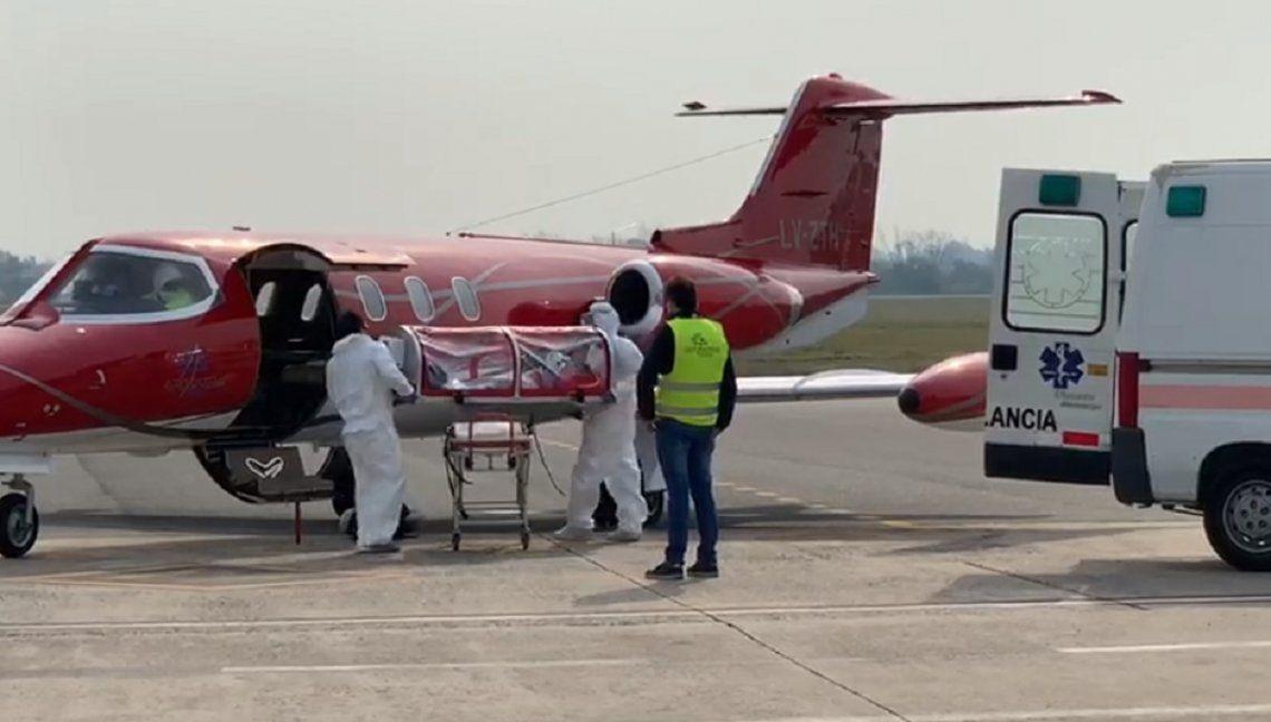 Primer vuelo en Argentina con un paciente Covid-19 positivo