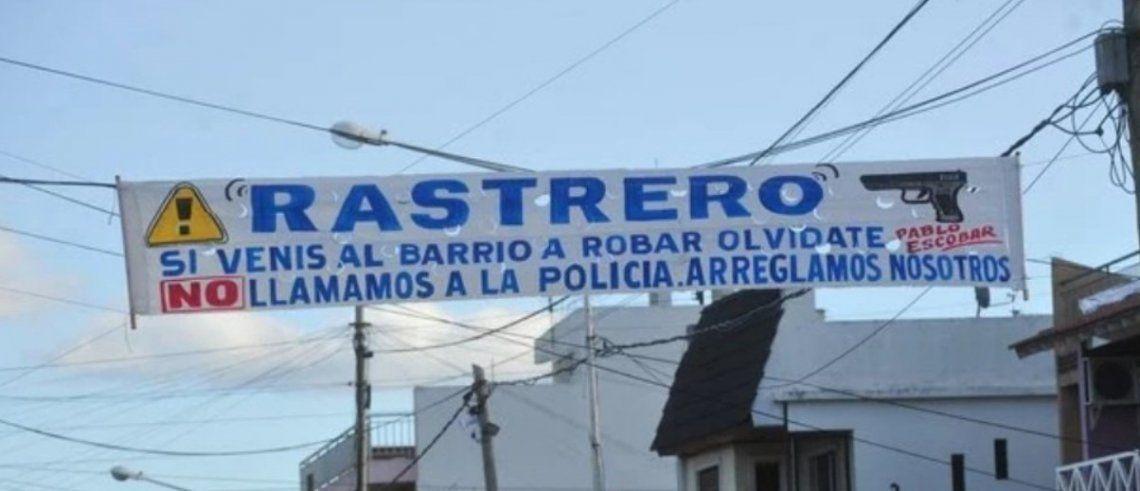 Isidro Casanova | El pasacalles con el que los vecinos advierten a los ladrones: No llamamos a la policía