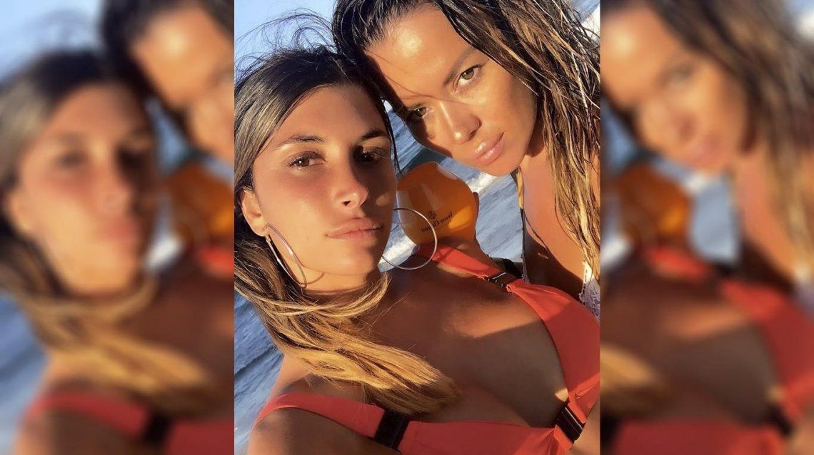 A Karina Jelinek su familia la bloqueó del chat familiar por su romance con Flor Parise