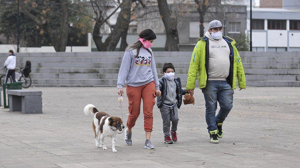 Coronavirus: El espacio público es más seguro que los encuentros en lugares cerrados