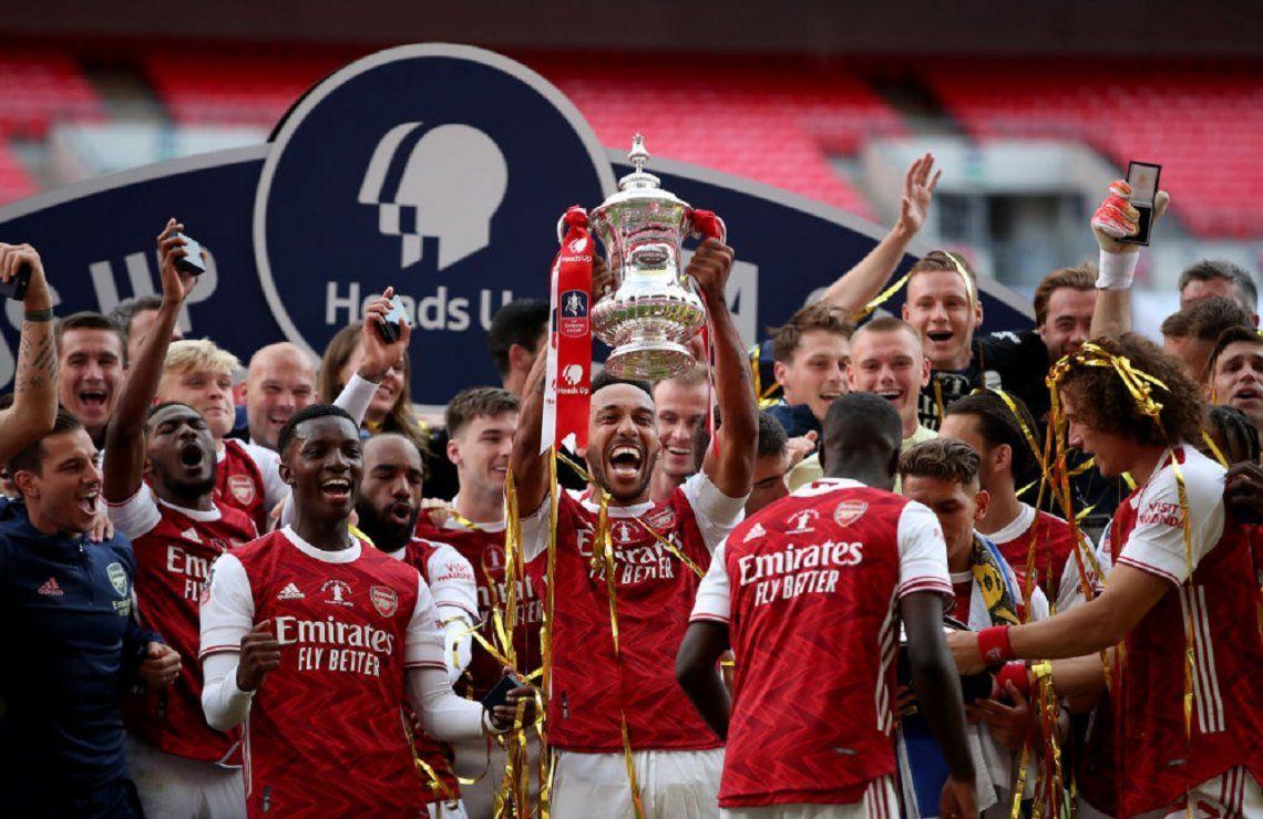 El duelo de arqueros fue para Emiliano Martínez: Arsenal venció al Chelsea de Willy Caballero y es el campeón de la FA Cup
