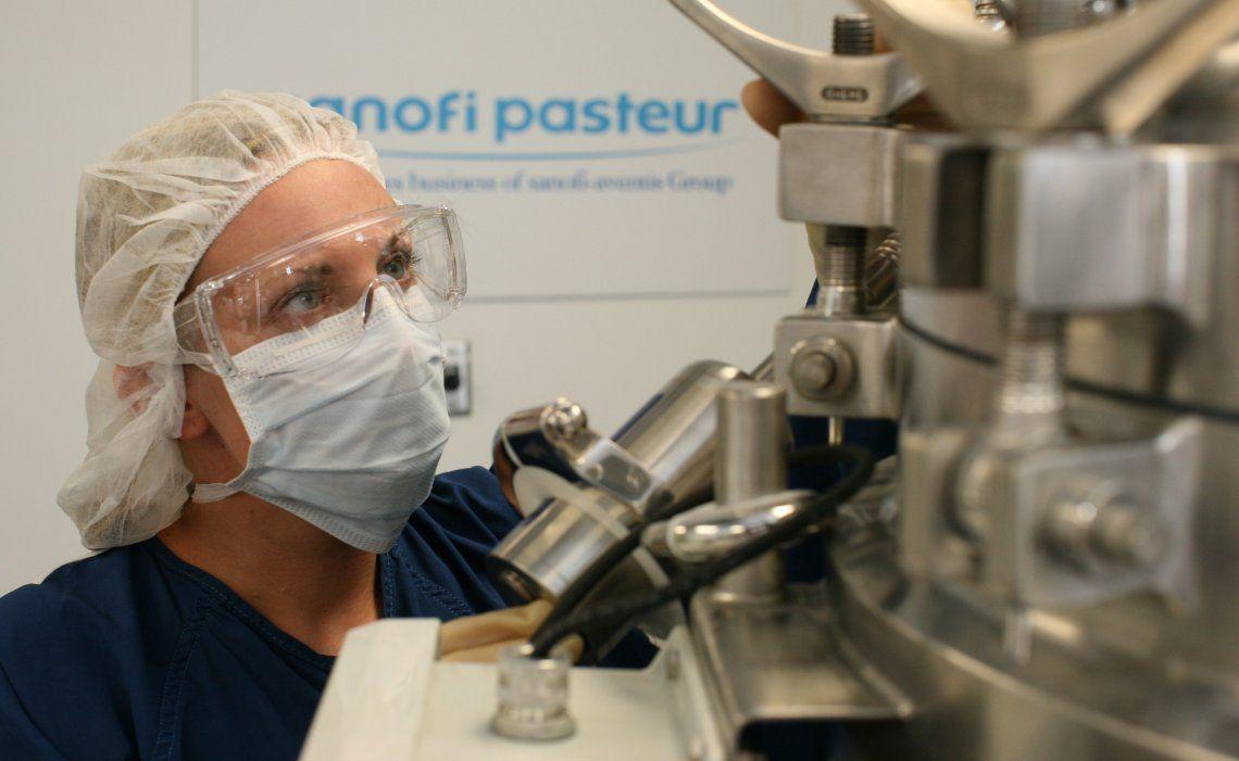 Estados Unidos cerró un acuerdo con los laboratorios Sanofi y GSK para contar con la bendita vacuna.