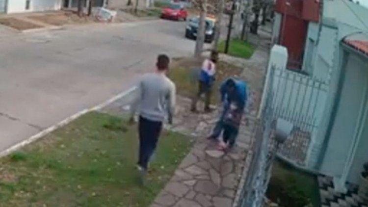 Quilmes: Violento asalto a un padre que paseaba con su hija de cuatro años