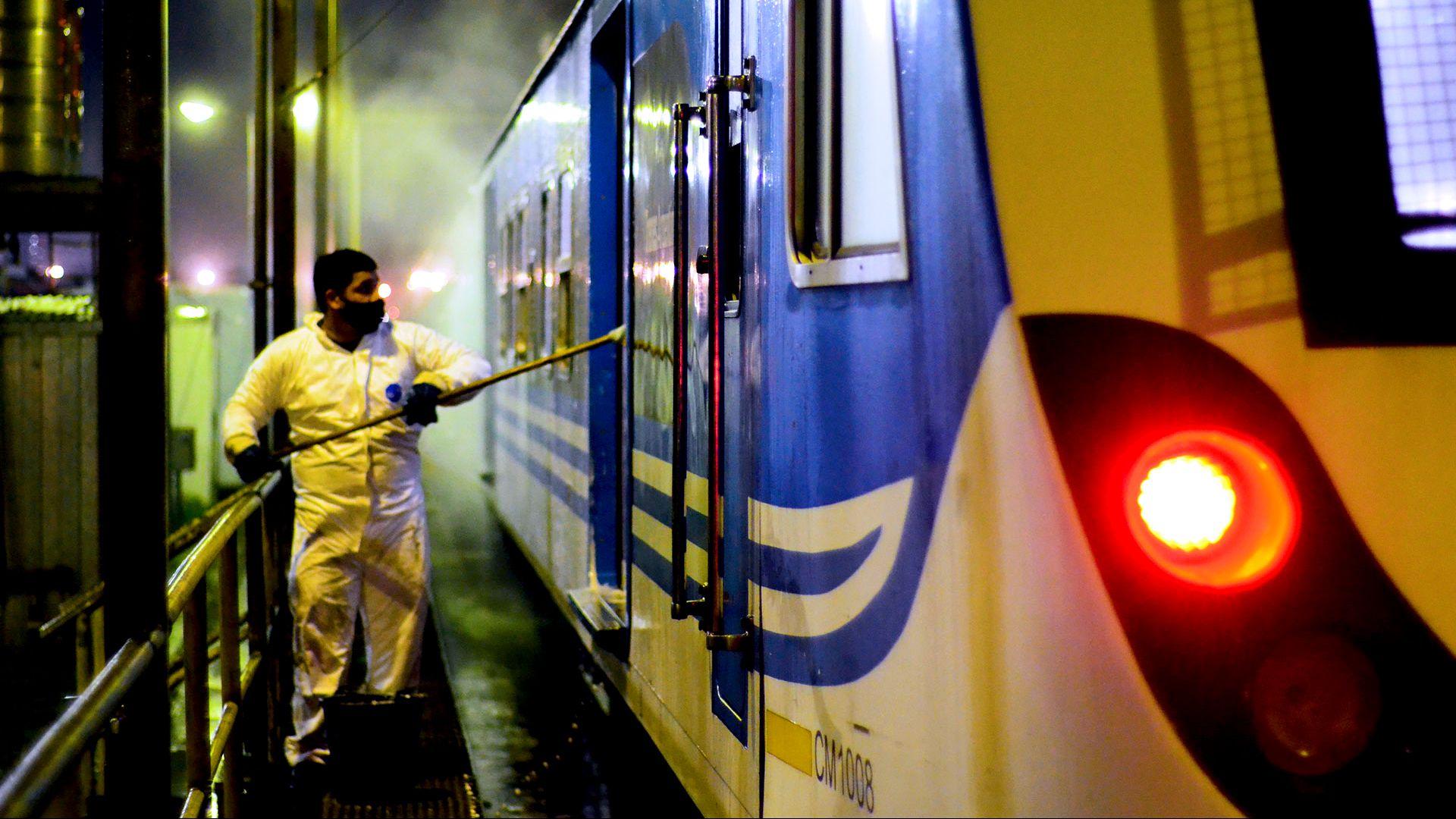 Coronavirus: el tren Sarmiento interrumpe su servicio tras confirmarse 10 nuevos casos