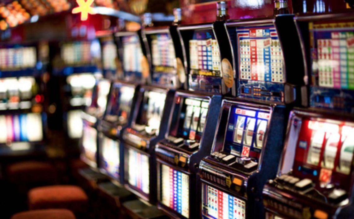 Chubut: prohíben las reuniones sociales, pero habilitaron las salas de juego y casinos