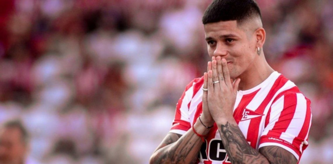 Manchester United no autorizó a Marcos Rojo a entrenar con Estudiantes